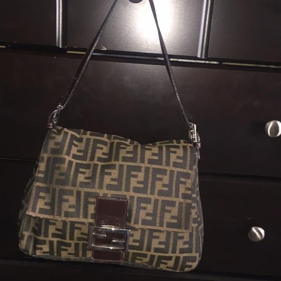5ad9a49e28d9 Fendi Handbags - Fendi Mama Bag